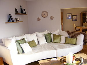 English: Living room in a holiday apartment in...